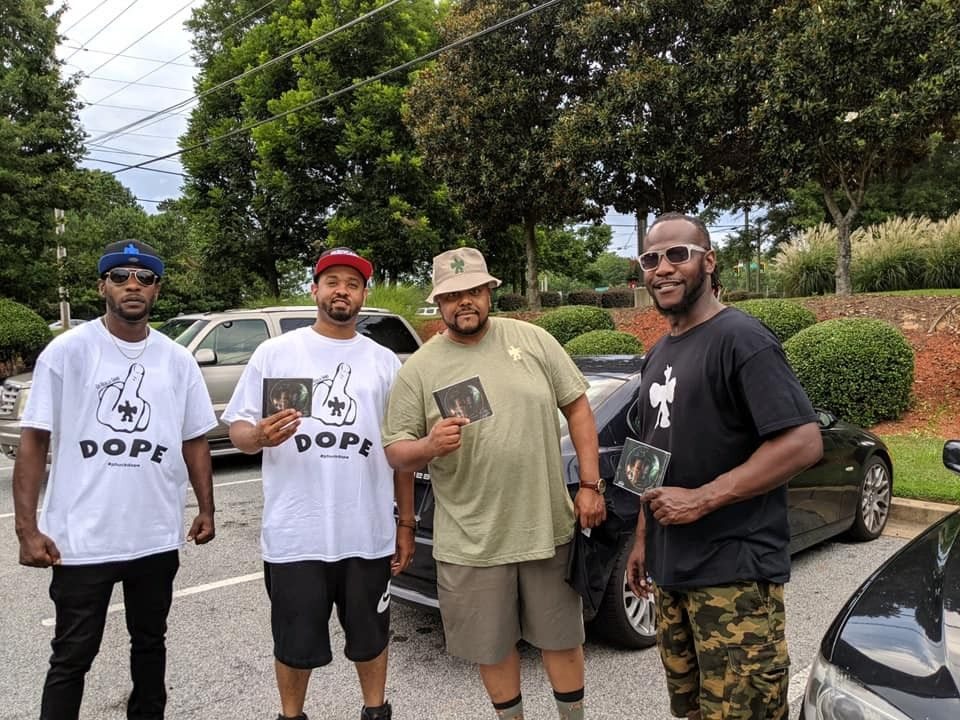 """Get a team that won't bump heads in the huddle...out in the concrete jungle ...hand to hand combat """"Go Realla Lifestyle"""" it's out here -> www.heavygame.biz #poppykhan #goreallalifestyle #heavygamebiz"""
